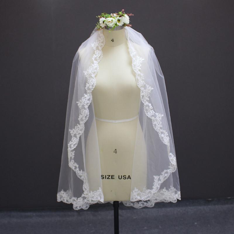 MERMAIDFUN New Elegant Lace Edge Short Wedding Veils with Comb 2018 Real Photos Bridal Veil for Bride 3