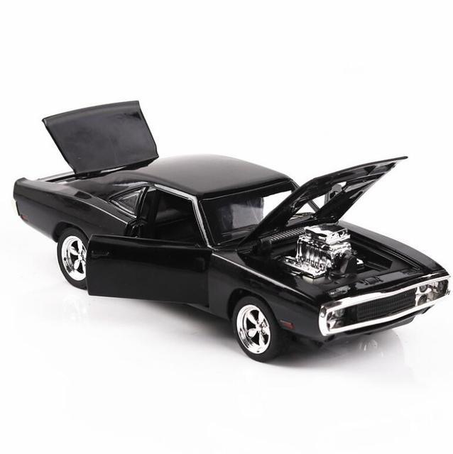 1/32 Diecasts & Toy Vehicles the fast and the Furious Dodge Car Модель со звуком и светильник, коллекция, Автомобильные Игрушки для мальчиков, подарок для детей