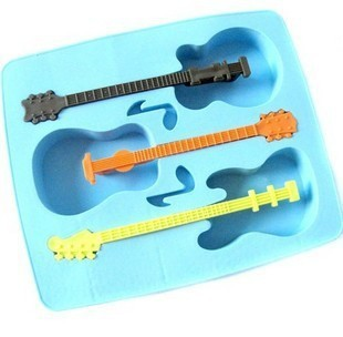 1Pcs 2018 Hot Sale Ice Mould Drinking Tool Tray Mold Makes Ice Guitar Novelty Gifts Ice Blue Tray Cube F2954