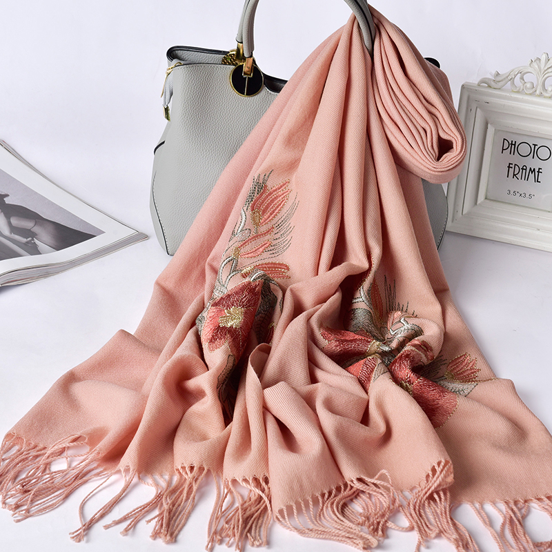 100% Wool Scarf Women Brand 2019 Bride Bridesmaid Embroidery Shawls and Wraps for Wedding Pashmina Ladies Winter Wool Scarves