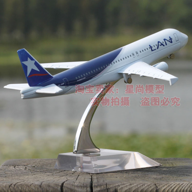 16cm Airplane Plane Model Chile LAN A320 Airline Aircraft Alloy Model Figure Diecasts Souvenir  Vehicles Gifts