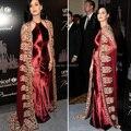 Katy Perry Halter A linha de apliques de ouro de veludo vinho Kaftan vestidos de celebridades vestido da ocasião especial