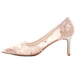 Image 5 - Çiçekler düğün ayakkabı yeni tasarım marka pompaları yaz peri zarif kadın gelin dantel Hollow prenses elbise kadın parti yüksek topuklu