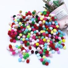 купить 550pcs/bag Small Multicolour DIY Decoration Soft Plush Ball 8mm(0.3inch) Fur Ball Pompon Home Garment Decorative Flowers Crafts по цене 107.47 рублей