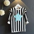 Niñas camisa de rayas estrella de Cinco puntas de La Camiseta de manga larga Sudadera O-cuello del Otoño niños camisas Del Estilo de Inglaterra ropa de niños