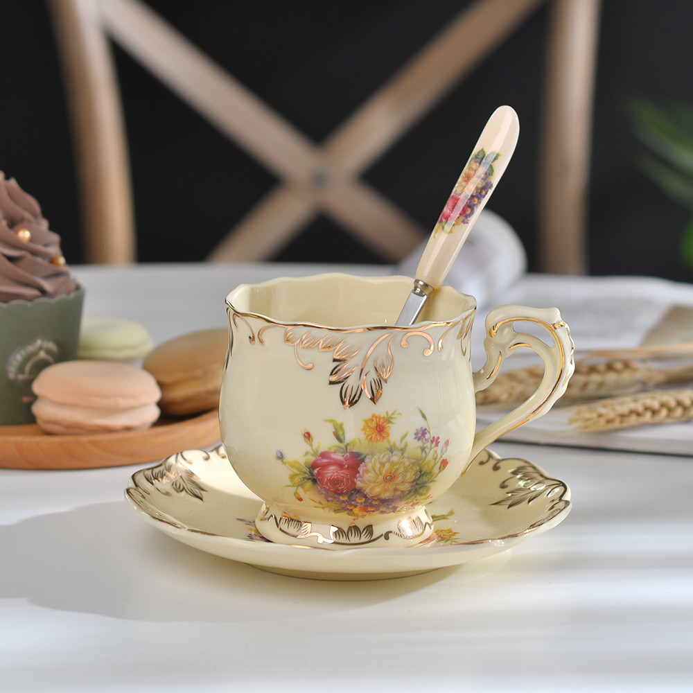 Yolife Ivory Porcelain Coffee Cup Pukulan Set Spoon Set Cawan Espresso Mewah Mewah Piala Gaya Beatiful Gift 250ml