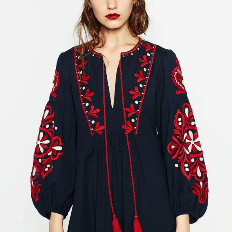 Vintage Ethnic Embroidery Autumn Dress Women Drawstring Round Neck Lantern Sleeve Long Dress maxi Jurk robe longue CCWM8138