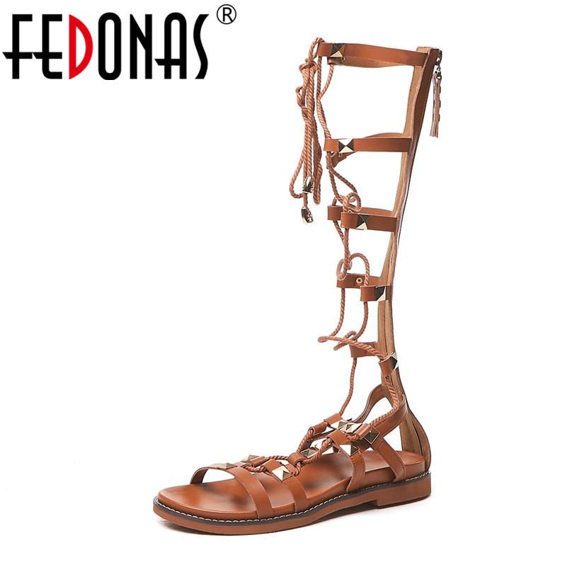 Las Media De Encaje Diseño Roma Tacón Punta 2019 Clásico Alto Mujer Redonda Verano Mujeres Fedonas Negro Pantorrilla Zapatos Botas Casuales Nuevo Sandalias Hueco 1 xw7qZYcC