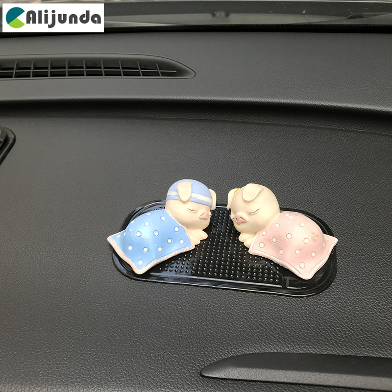 Silica Gel Anti-Slip Car Dashboard Non-slip Mat Magic Sticky Pad for Mercedes-Benz Series-A B C E <font><b>S</b></font> <font><b>G</b></font> M ML GLK CL CLK CLS GL <font><b>G</b></font> image