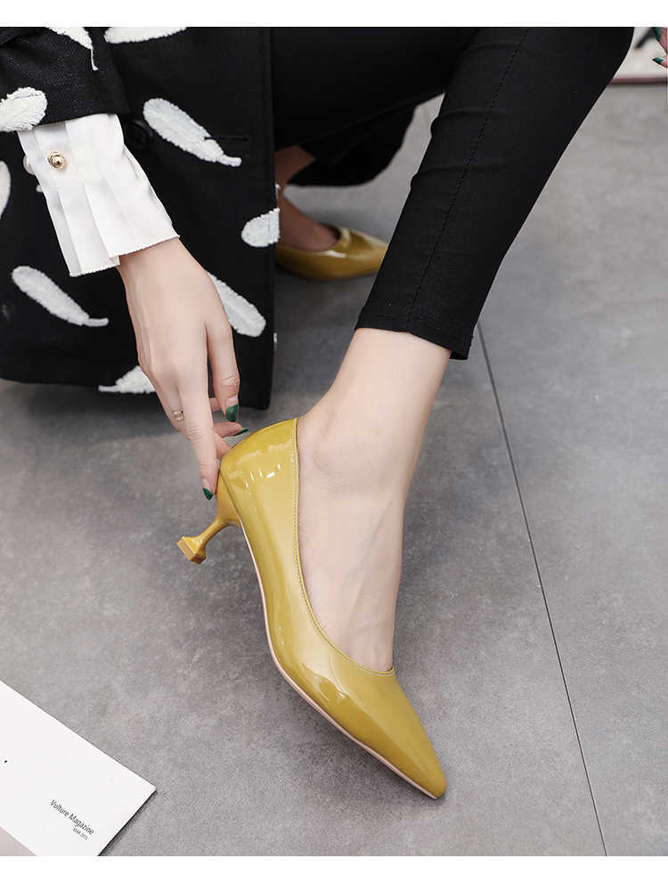 Bello delle donne 5 centimetri tacchi gattino scarpe da damigella d'onore, nudo/Nero patent leather low medio talloni giovani signore semplici a punta punta pompe