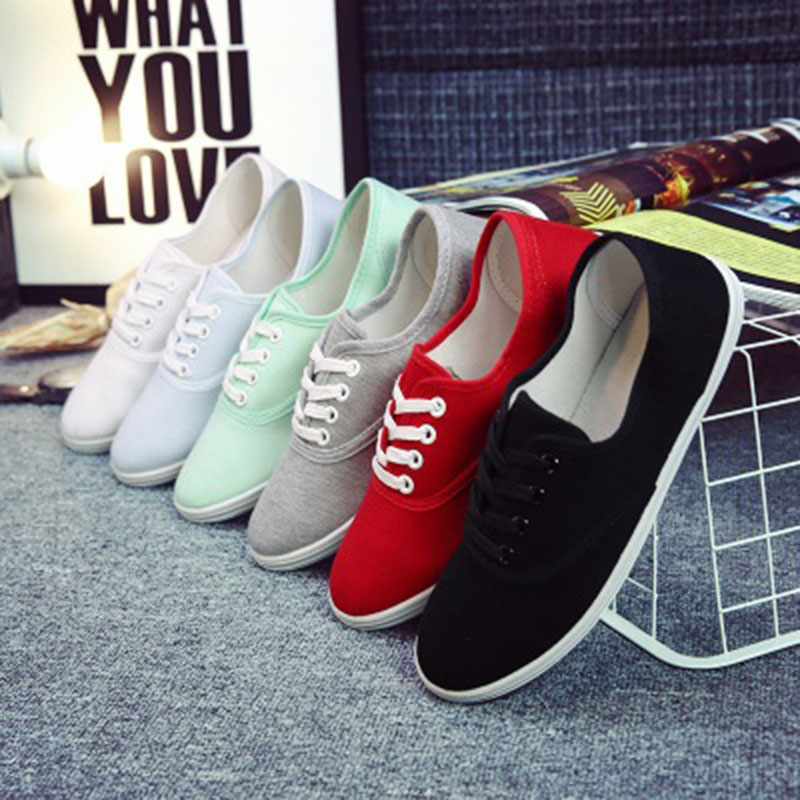 Women canvas shoes women flat shoes 2018 new Designer fashion Solid color shoe laces ladies shoes 12 colors