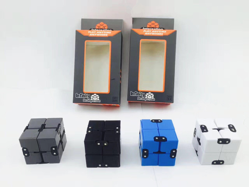 Infinite cube fidget cubes Antistress Resistance Anxiety Artifact Infinity Finger cubo antiestres finger cube spinner Toy