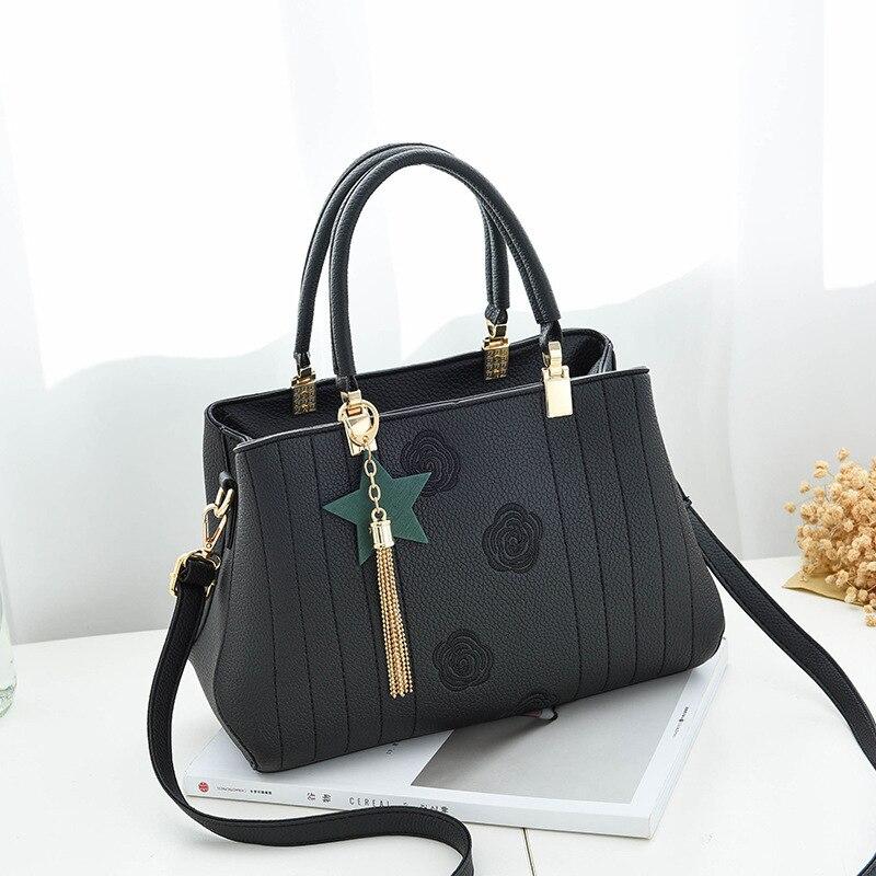 Luxury Women Leather Handbag Women Messenger Bag Female Leather Shoulder Bag Women's Embroidery Flower Handbag sac a main DJB124