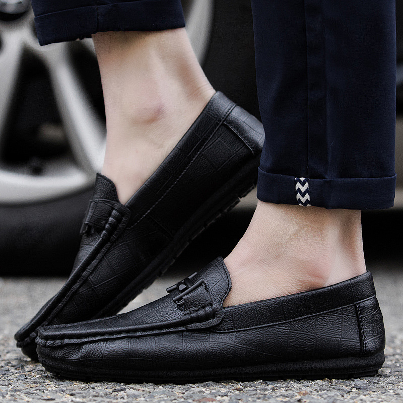 size 39-44 slip on casual men loafers spring and autumn mens moccasins shoes leather men's flats shoes New 2017 new men s casual shoes fashion slip on men pu shoes creepers flats leisure shoes breathable loafers moccasins spring autumn