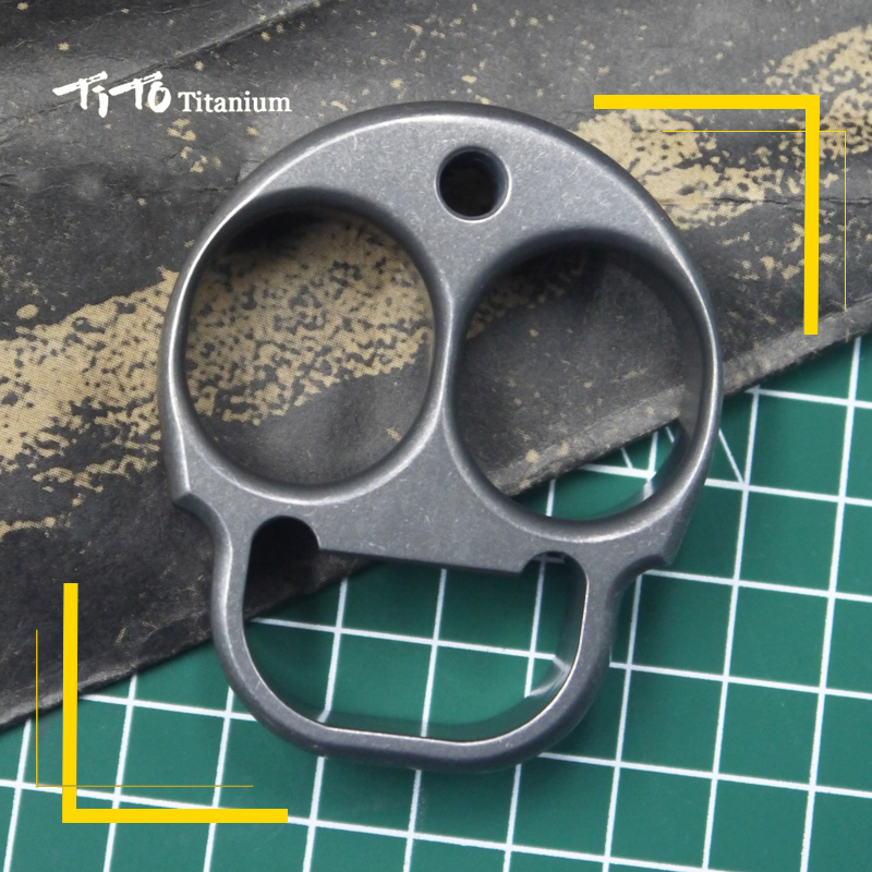 TiTo EDC titanium alloy multipurpose ET shape with aliens Bottle opener hand toy Tools meteorite outdoors tools Titanium spinner new rainbow finger fidget spinner fun hand spinner desk focus toy anti stress spiner metal edc adhd autism tri spinner toy
