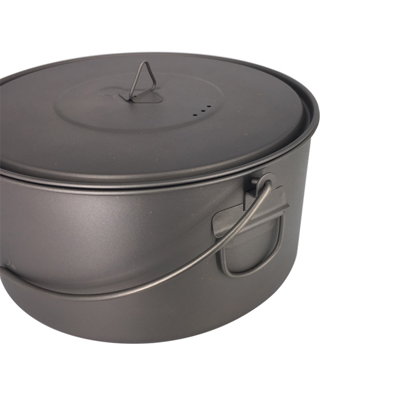 TOAKS Outdoor Camping Cookware Picnic Hang Pot Ultralight Titanium Pot 1600ml or 2000ml3