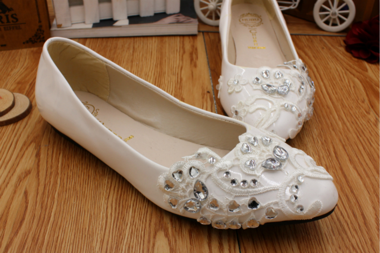 White lace wedding shoes woman flat heel round toe slip on bridal wedding  flats customized different heel party dress shoe HS057-in Women s Flats  from Shoes ... 2dc301005535