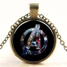 Hot Sliver/Antique Bronze Plated Vintage Super Hero Badge chains Necklace Pendant Fashion Charms Round Glass Necklace For Unisex