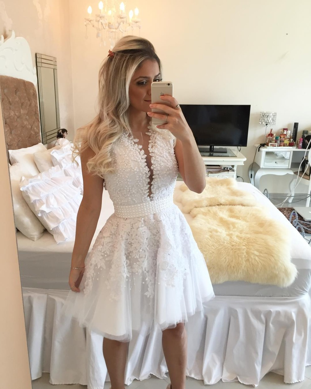 2018 New Arrival Short Prom Pear Beading On Sheers Vestido De Festa Curto Deep V-Neck See Through Party Gown   bridesmaid     dresses