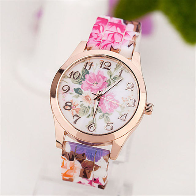 Casual Silicone Watch Quartz Wristwatches Women Dress Quartz Watch Bracelet Watc