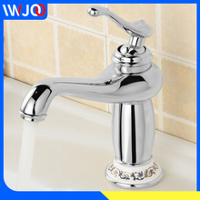 цены Bathroom Sink Basin Faucets Gold Creamic Brass Faucet Mixer Water Tap Modern Rotate Single Handle Hot and Cold Faucet Deck Mount