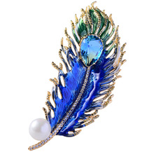 New Crystal Cubic Zircon Feather Brooch Pin Pendant Female Jewelry Peacock Green Drip