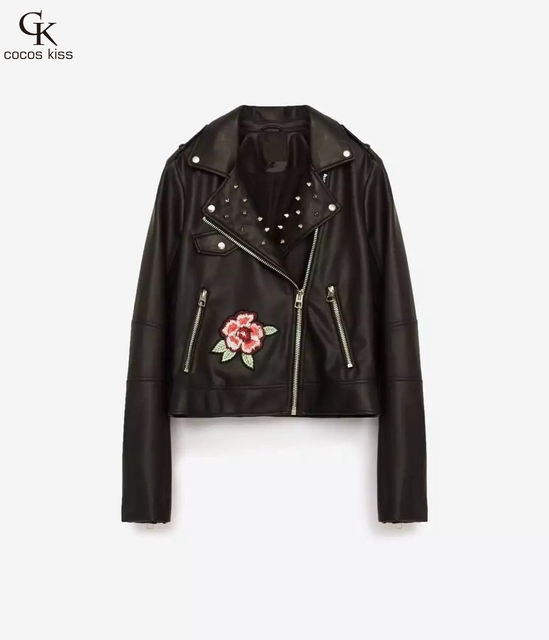 2017 Novas Mulheres Da Moda de alta qualidade Do Falso Couro Macio Casacos Pu Preto Grande flor bordado Casaco fino rebite