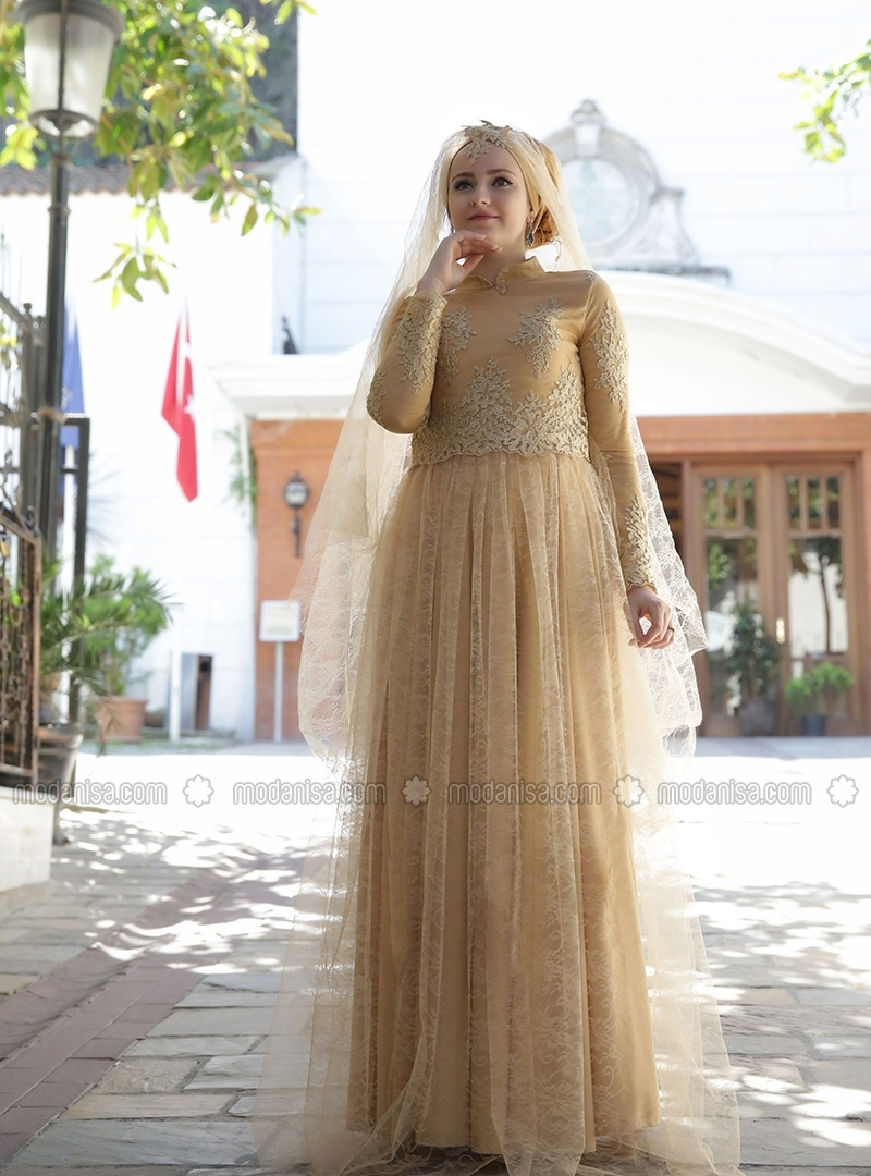 2016 New African Special Occasion Dresses Champagne Lace Black Applique  Muslim Party Dress Gown Long Sleeves Evening Dress-in Evening Dresses from  Weddings ... 21fbd754b77f