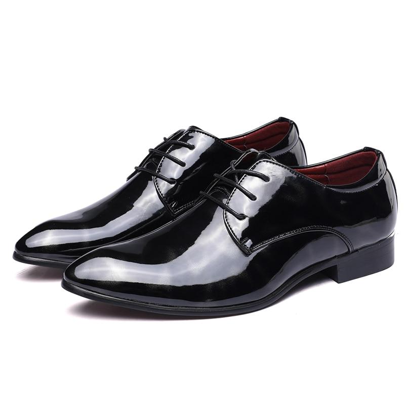 c71c0a11667b8 Printemps Cuir Vente Hommes Noir Occasionnels De Chaussures Mode Lacets  Chaude 38 Marque rouge bleu Noir Confortable À 2018 Taille 47 Véritable  ArtrXq