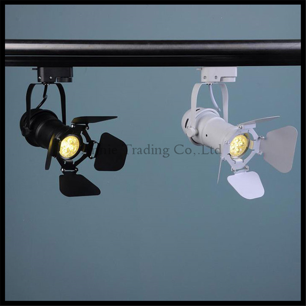Vintage barndoor Led Track light 5w cob track lamp LED clothing store lighting LED Spotlight with adjustable cover black white led track light50wled exhibition hall cob track light to shoot the light clothing store to shoot the light window