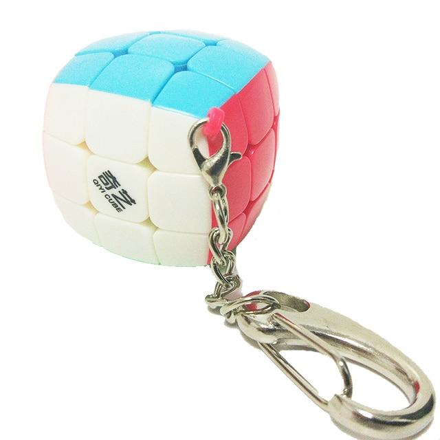 QiYi מיני Keychain לחמניית קוביית 3x3x3 תליון שרשרת מפתח טבעת מיני קסם קוביית 3x3 קטן מהירות קוביית פאזל צעצועים לילדים למתחילים