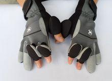 1Pair Front Waterproof  Anti-Slip Thermal Fingerless/3 Cut Finger Fishing Gloves  Lure Gloves Rod Sports Gloves FT0033