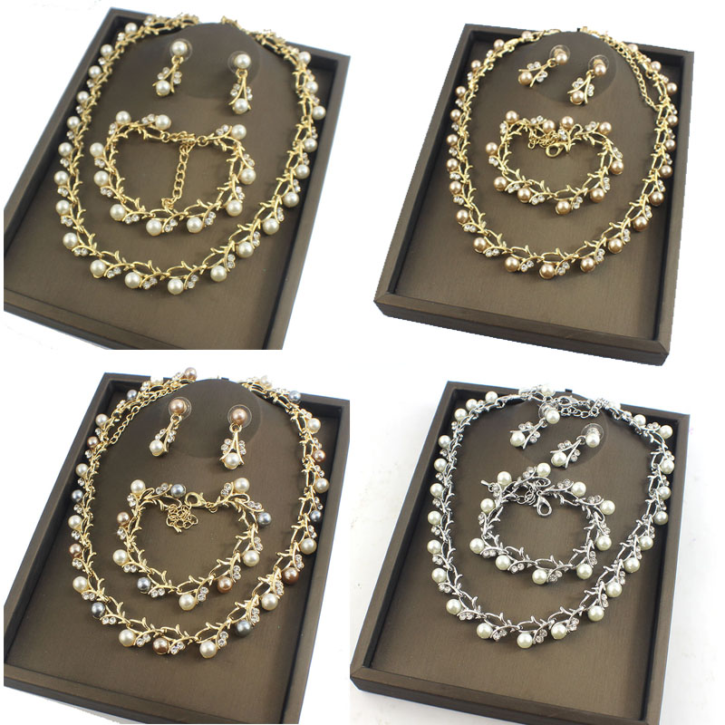 HTB1xxSHRVXXXXabXpXXq6xXFXXXs Luxurious Pearl And Crystal Wedding Party Jewelry Set - 5 Colors