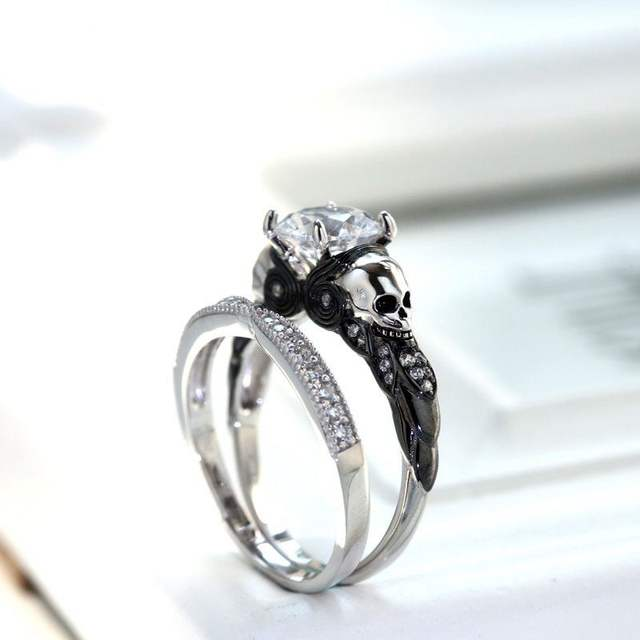 DOUBLE DECK CLASSIC STYLE SKULL RINGS (2 VARIAN)