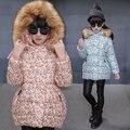 Двойной Грудью Девушки Теплый Хлопок Вниз Пальто Куртки Цветок Печати детская Мода Пальто Меховой Капюшон Толстая Куртка Верхняя Одежда