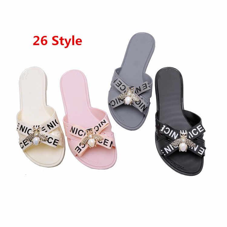 469a43a16 ... PXELENA/цветок силиконовая обувь для девочек Пляжные сланцы милые  плоские мягкие Летние тапочки женская обувь ...