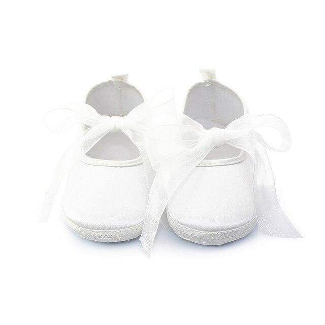 7a6a629310f Larga Cinta Blanca Bautizo Zapatos de Bebé de Alta Calidad Púrpura Elegante  con cordones Suaves Del. Sitúa el cursor encima para ...