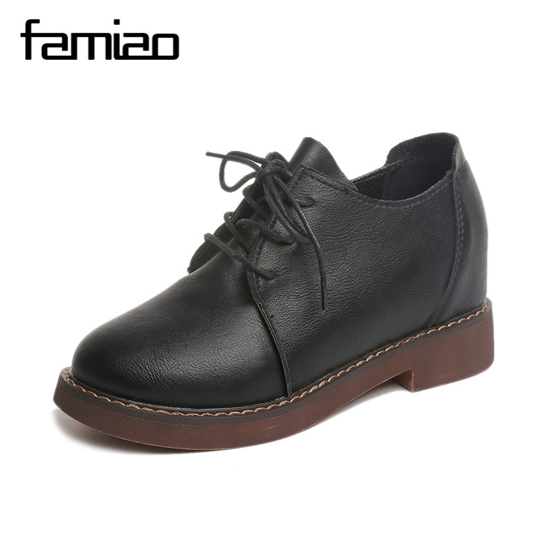 FAMIAO Retro Oxfords Brogue Women Shoes Fashion Patent Leather Platform Casual Shoes Round Toe Flats Lace Up 2017 Zapatos Mujer fashion patent leather oxfords shoes woman 2016 casual platform flats low heels silver women brogue shoes 2 wearing xwd3170