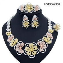Yulaili Party Flower Bridal Wedding Jewelry Sets Necklace Bracelet Ring Tricolor Women Dangles Earrings Crystal Noble Hot Sale