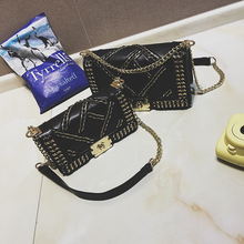 2016 new woven chain design black luxury small square Japan and South Korea fashion lock mini shoulder Messenger bag handbag