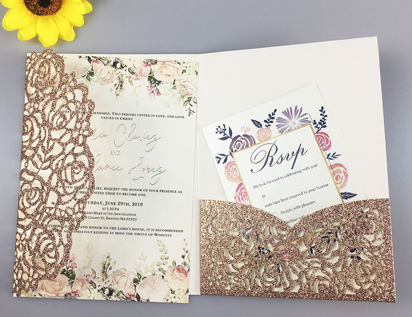 Free Drop Shipping 50X Gold White Laser Cut Rose tri fold Wedding Invitation Cards Personalized Pocket