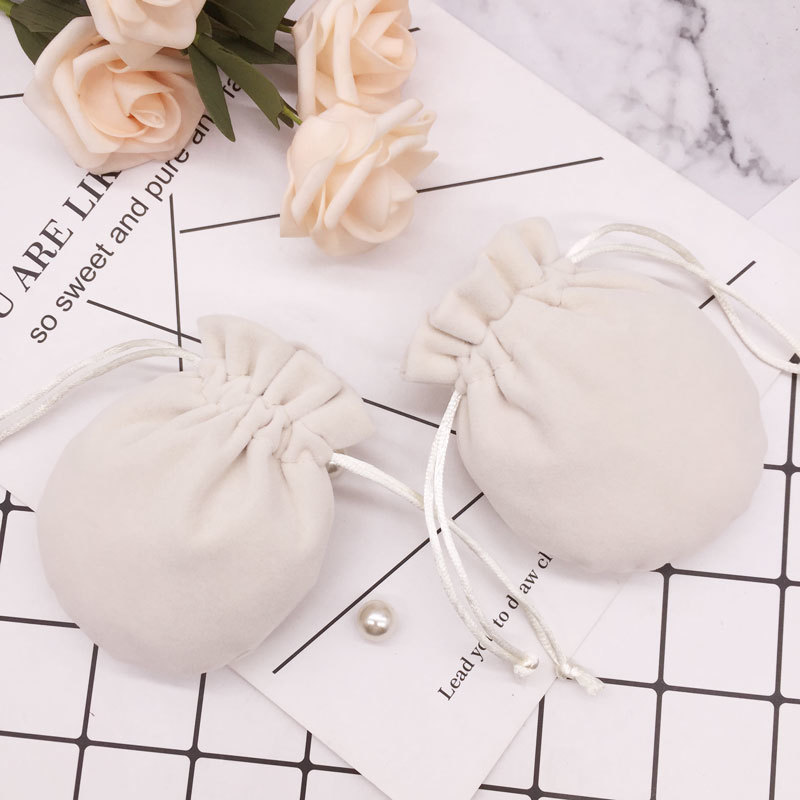 50Pcs/lot 9*11cm Velvet Bag Drawstring Pouches Jewelry Packing Display Bags Wedding Christmas New Year Gift Present For Lovers