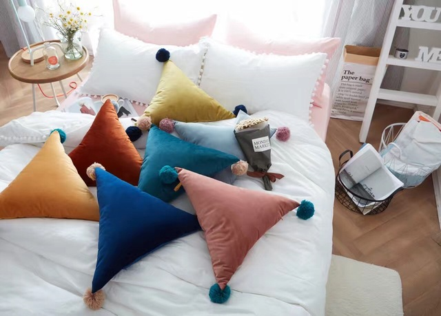 Ins Nordic simples Forma de triângulo borla bola decoração do quarto sofá carro almofada travesseiro travesseiros