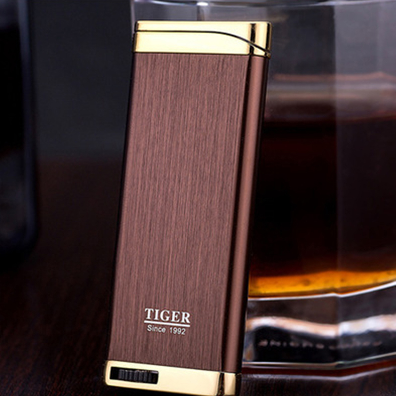 Free Shipping Compact Jet Lighter Gas Torch Lighter Flat Windproof Metal Cigar Lighter 1300 C Butane Lighter