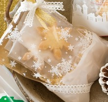 200pcs 12x18+4cm Christmas Gold Snowflake Food Packing bag Cellophane Bag, Cute Biscuit bag Plastic Party Favor Bag(Hong Kong)