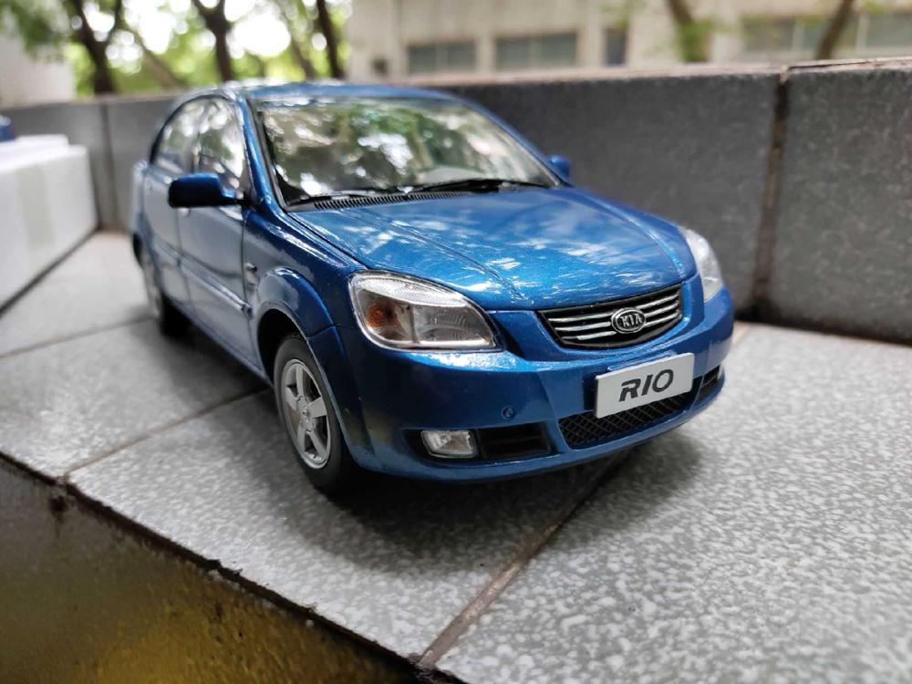 1:18 Diecast Model for Kia Rio 2007 Blue Sedan Rare Alloy Toy Car Miniature Collection Gifts