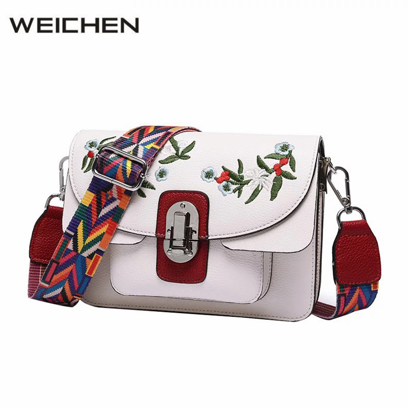 Messenger Bag Women Small 2017 New Embroidery Flower National Bag Women Shoulder Flap Handbags Sac A Main Ladies Crossbody Bags