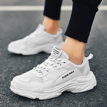 Man Fashion Shoes Breathable Light Sneakers Brand Vulcanize Shoes Zapatillas Outdoor Leisure Walking Trend Flats Casual Shoes