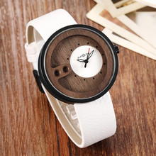 Fashion Top Brand Wooden Watch Men Exquisite Carving Hollow Design Male Clock Unique Green Leather Quartz Wood Watches relogio