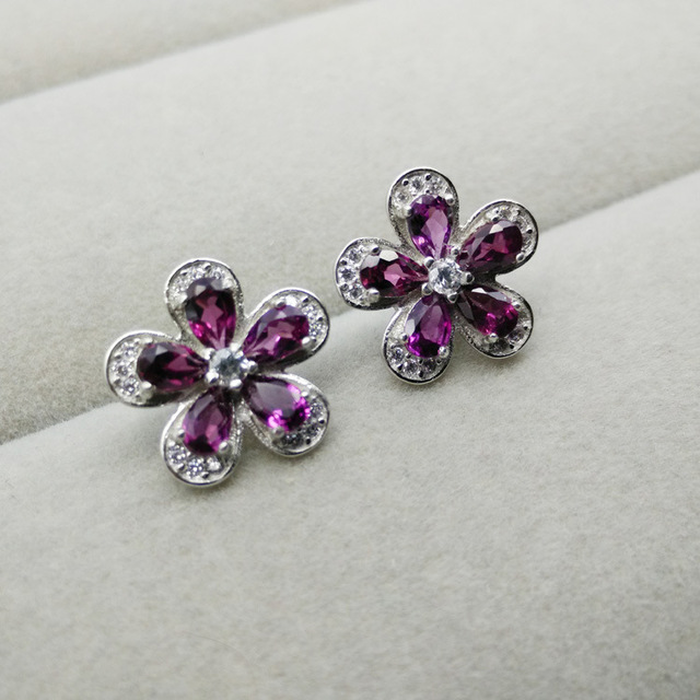 Multicolored Earrings Natural Magnesium Garnet Stud Small Flower 925 Silver Exquisite Fashion One Generation